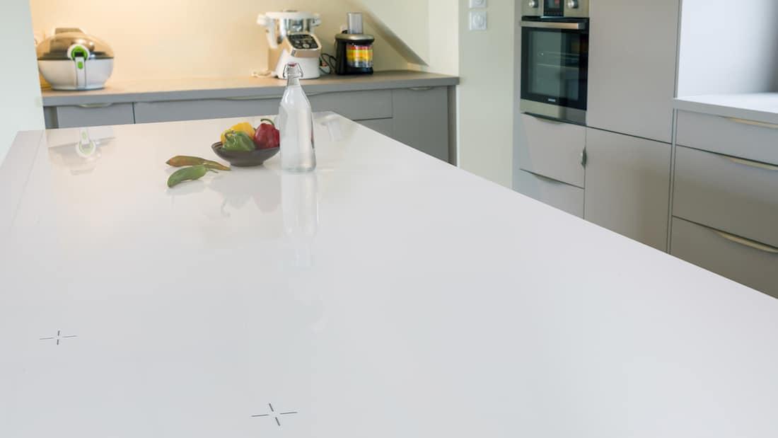 유로케라의 주방 모델에서 스토브 탑 역시 놀랍게 변신합니다.